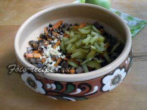огурец соленый в салате