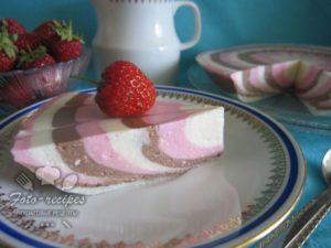 поместить творожный десерт в холодильник