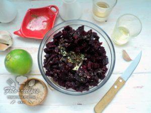 добавляем винный уксус и лайм