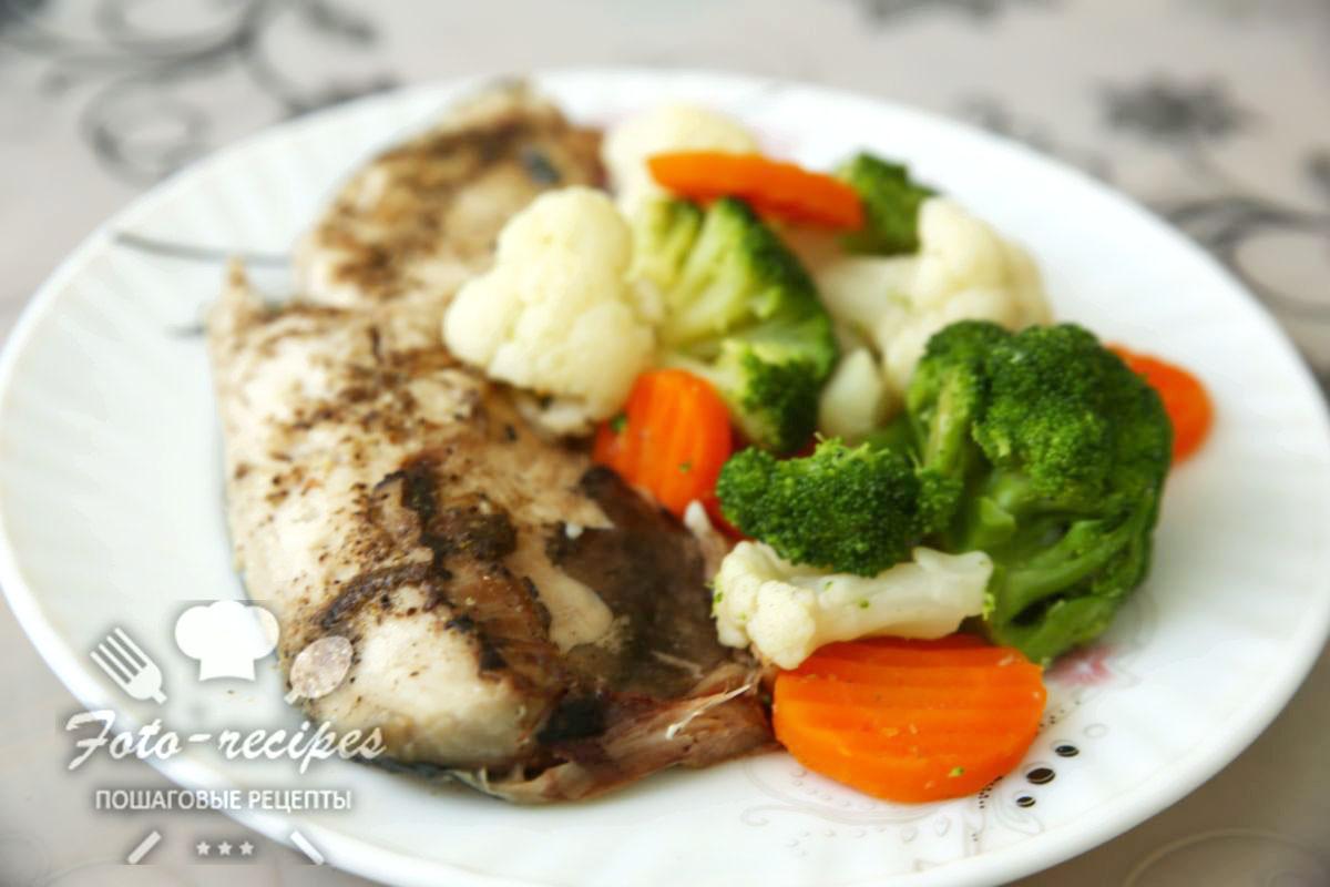 скумбрия на пару с овощами