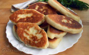 пирожки с рыбой, рисом и грибами