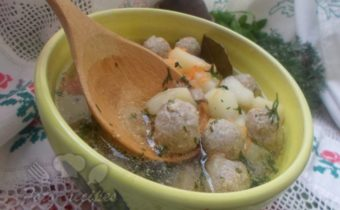вкусный суп на свином бульоне